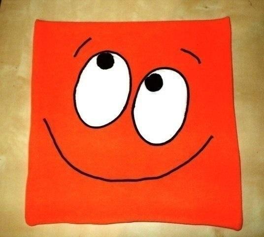 Мастер-класс шитья: подушка-смайл