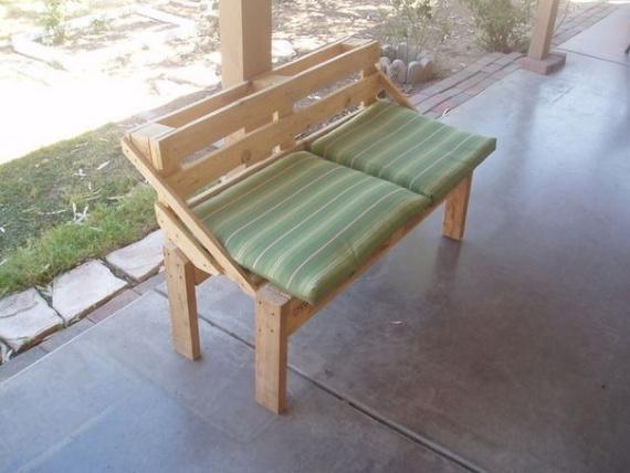 Скамейка из палет